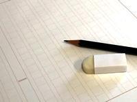 受験で小論文が必要だけど、文章を書くのが苦手。どうしたら小論文が書けるようなるの?