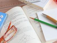 数学の問題集は学校の物を使って良い?数学の問題集の選び方と効果的な使い方を解説